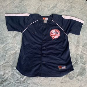 Youth button up Yankees Jersey